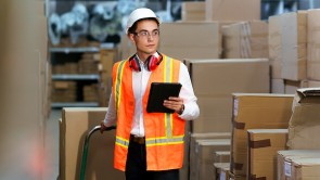 4 Signs To Upgrade Your Warehouse Storage System